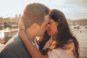 धनु राशि और मकर राशि: Love Relation